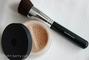 A Perfect Complexion with Lily Lolo Mineral Foundation and bareMinerals Precision Face Brush